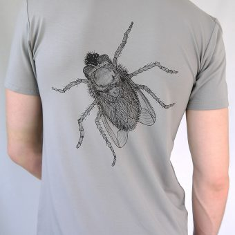 Herren T-Shirt grau – Motiv Fliege – Rueckseite